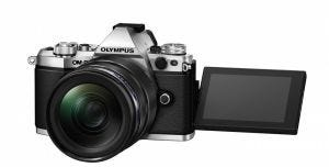 Olympus OM-D E-M5 Mark II lcd open