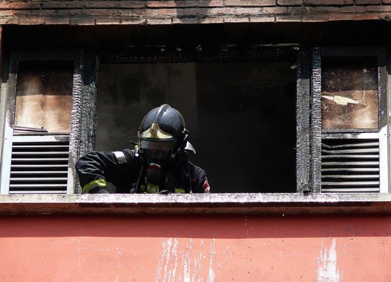 1º accésit: © Josep Mª Viladomat - Sanejament finestra i seguretat