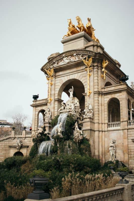 Cascada del Parc de la Ciutadella. (EOS M5 + EOS-S 24mm f2.8 STM)