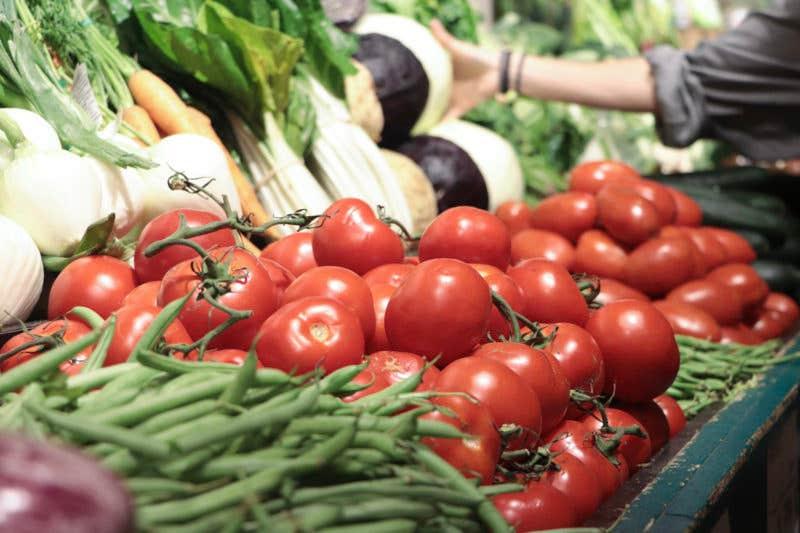 Foto de Isaac Sebastián - tomates rojos pese a las malas condiciones de luz