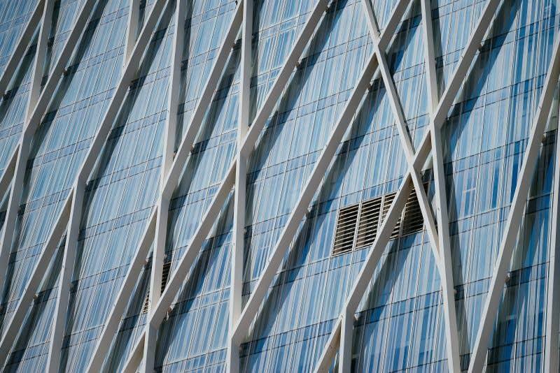 Fachada del edifico de Telefónica (100mm – 1/2500 – f5.6 – ISO200)